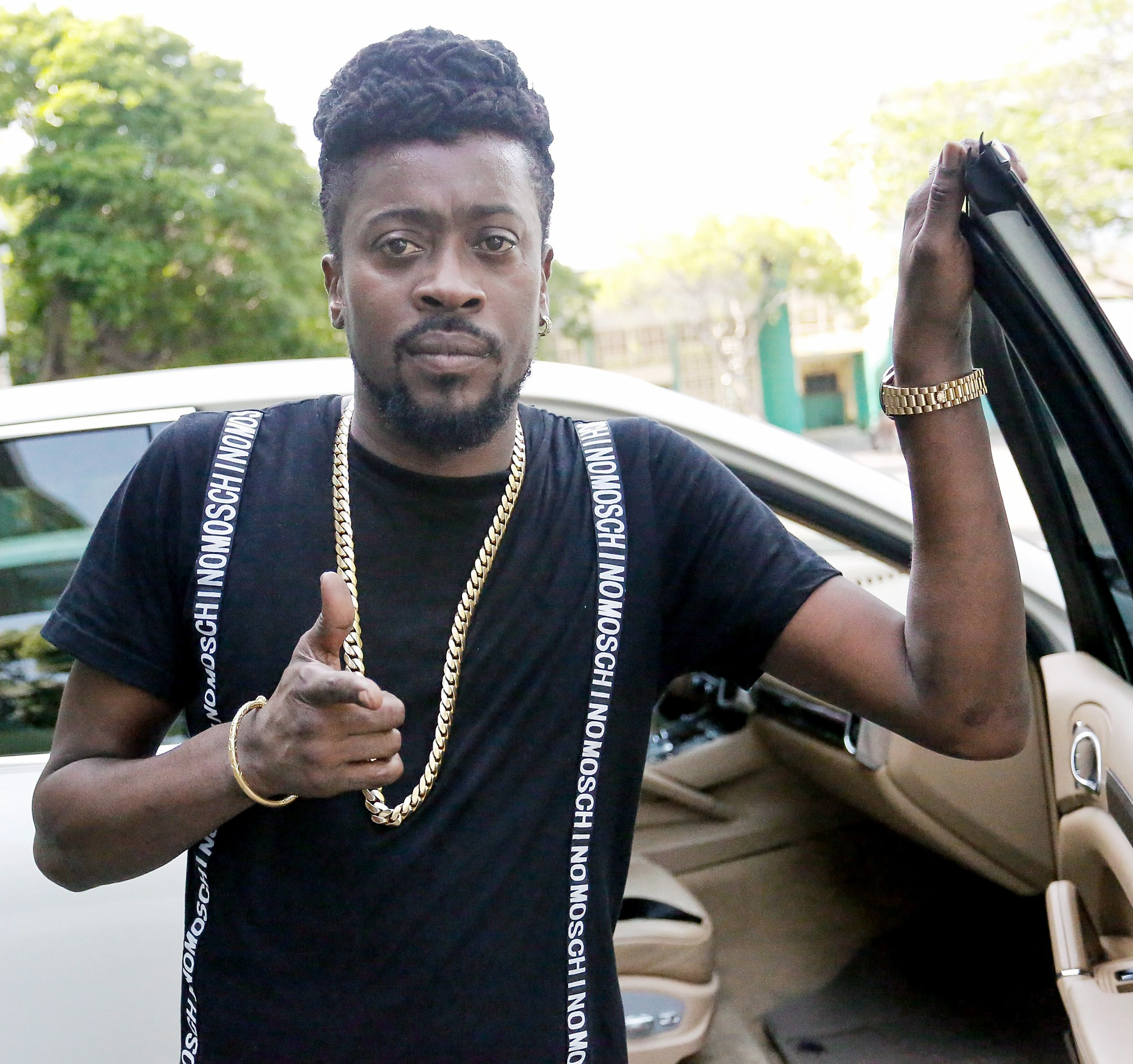 Beenie Man releases very aggressive Christmas themed single