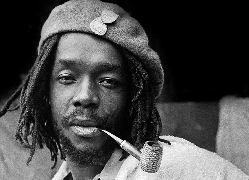 Peter Tosh's Grammy & guitar sold, family fights over estate