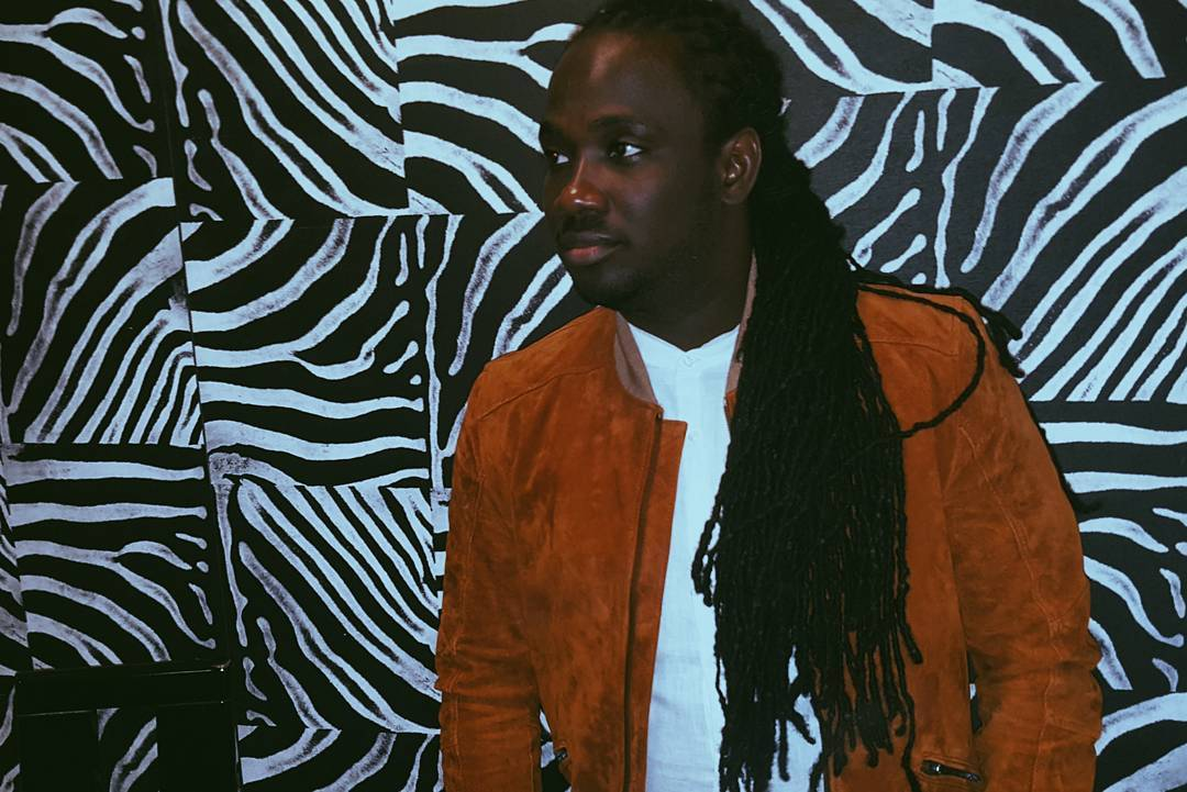 I-Octane pulls off fan's wig during performance