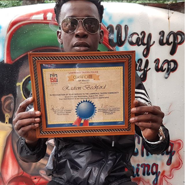 Chi Ching Ching Receives Certificate For Continued Community Service